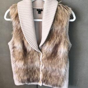 Ann Taylor M Faux Fur Vest